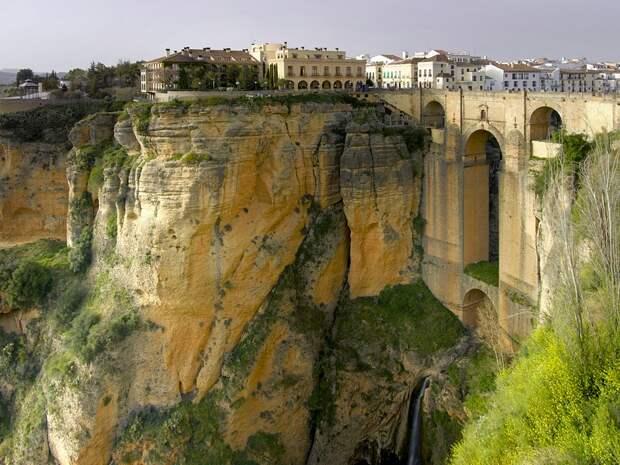 Ronda 1 Ронда: город на скалах и душа Андалусии
