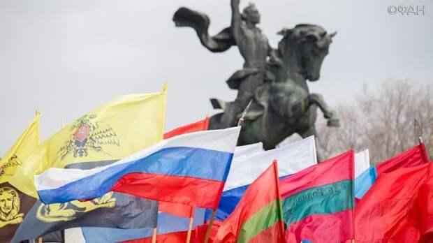 Елена Панина: Проукраинская позиция Санду грозит Молдавии расколом и потрясениями