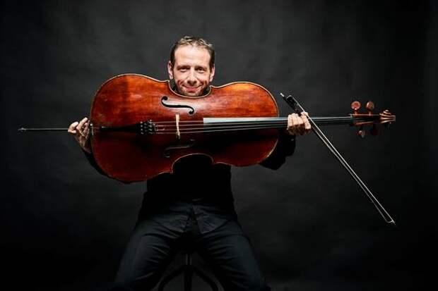 Известный виолончелист Борис Андрианов даст концерт в Абакане