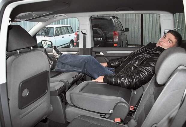 РАССКАЗЫВАЮ ПОЧЕМУ ВСЕ МНОГОДЕТНЫЕ СЕМЬИ ВЫБИРАЮТ ИМЕННО Volkswagen Touran В ТОМ ЧИСЛЕ И МЫ.