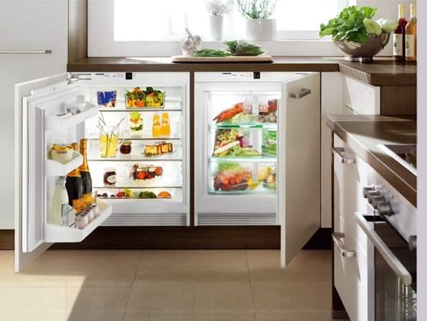 Лучшие примеры реализации размещения мини-холодильника на маленькой кухне