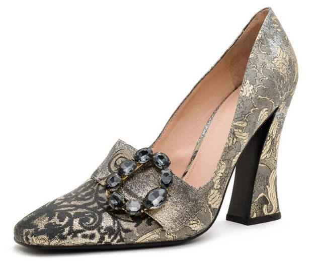 Гобелены на туфлях
