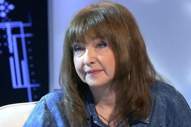 """Катя Семенова рассказала о работе сына почтальоном:  """"Я очень ленивая, и Ваня такой же"""""""