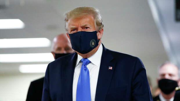 Дональд Трамп в медицинской маске - РИА Новости, 1920, 09.09.2020