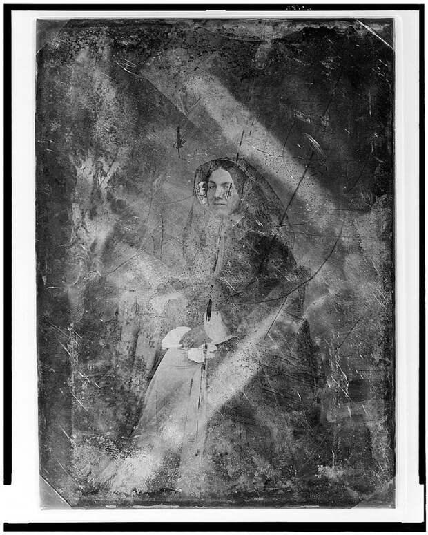 Вот как выглядели дагеротипы – первые фотографии, сделанные ртутью