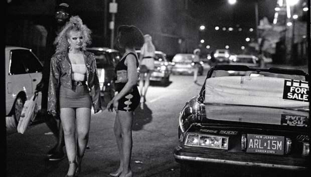 Гнилое яблоко: мрачная изнанка Нью-Йорка 80‑х на фотографиях Мирона Цовнира