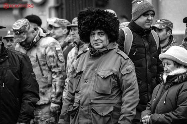В Симферополе отметили годовщину создания Народного ополчения Крыма 9