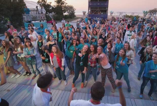 На разрешенном Аксеновым фестивале «Таврида-Арт» выявили больных COVID