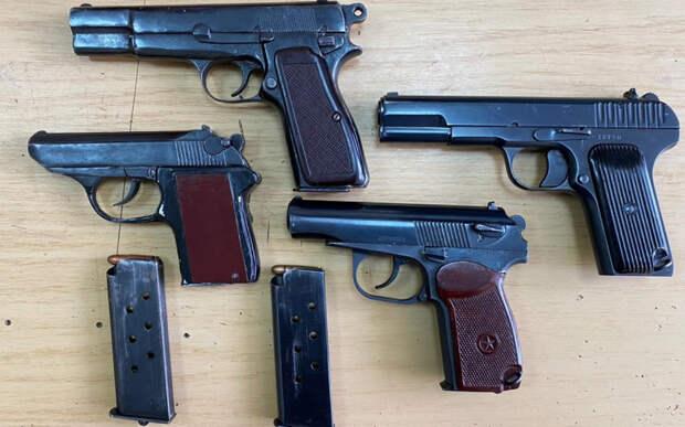 В Пронском районе полицейские обнаружили арсенал оружия в доме умершего пенсионера