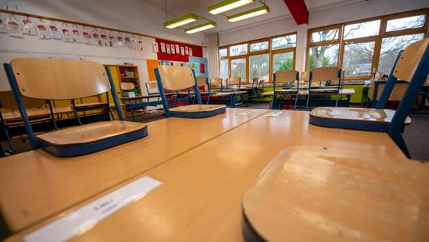 Немецкое правительство планирует закрывать школы, но на этот раз платить компенсации родителям не будет