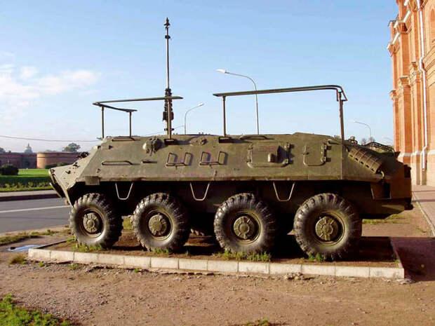 БТР-60 – водоплавающий бронетранспортер нового типа