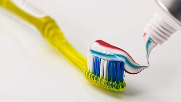 Красноярский участковый пытался вынести из магазина зубную щетку