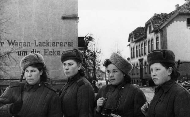 Женщины-снайперы Красной армии