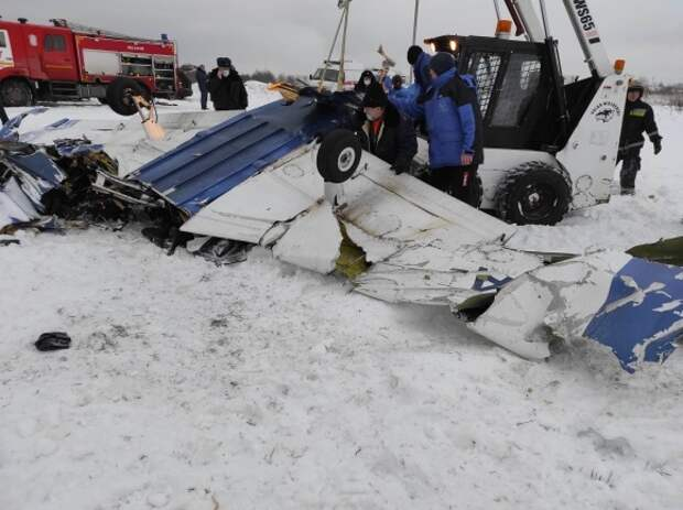 После столкновения двух самолетов в Ленобласти погибли люди