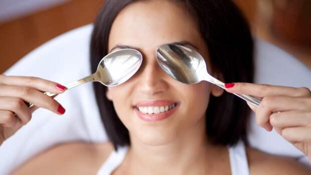 5 видов массажа для лица, которые убирают отёчность и разглаживают морщины