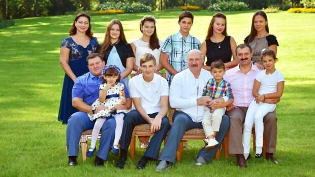 Манукян рассказал, когда стартовала операция спецслужб США по ликвидации Лукашенко и его детей