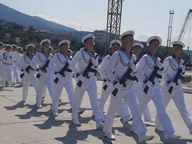 В Новороссийске отметили День военно-морского флота