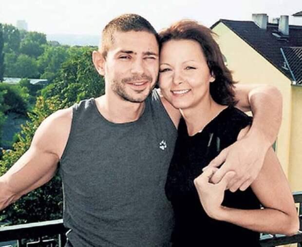 «Он поступил жестоко»: Дарья Повереннова рассказала об измене Валерия Николаева