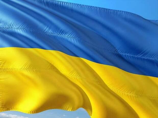 Львовский облсовет потребовал лишить гражданства украинцев, получивших российский паспорт