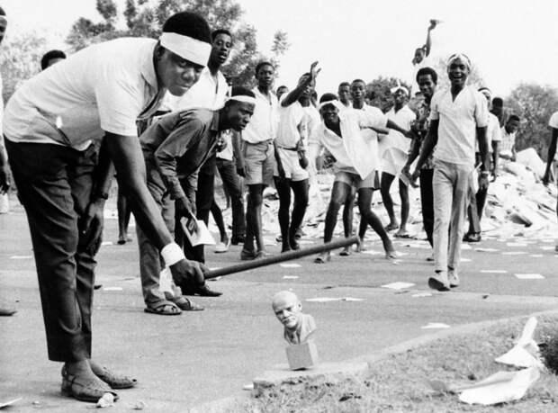 Участники антикоммунистического мятежа в Гане. /Фото: mtdata.ru