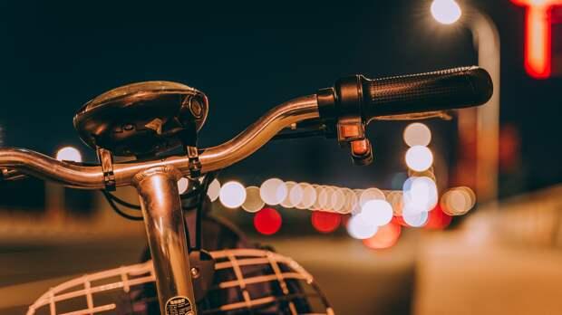 Велосипед за 155 тысяч рублей угнали в Ижевске у одного из баров в Ленинском районе