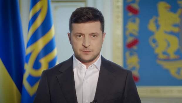 Песков пояснил, почему на парад Победы не пригласили Зеленского