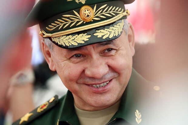 «Барин приехал»: в Сети раскритиковали Шойгу, проверившего военкомат