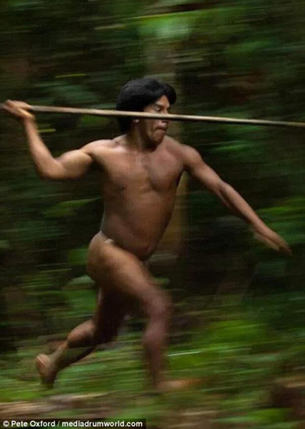 Охотник племени ваорани
