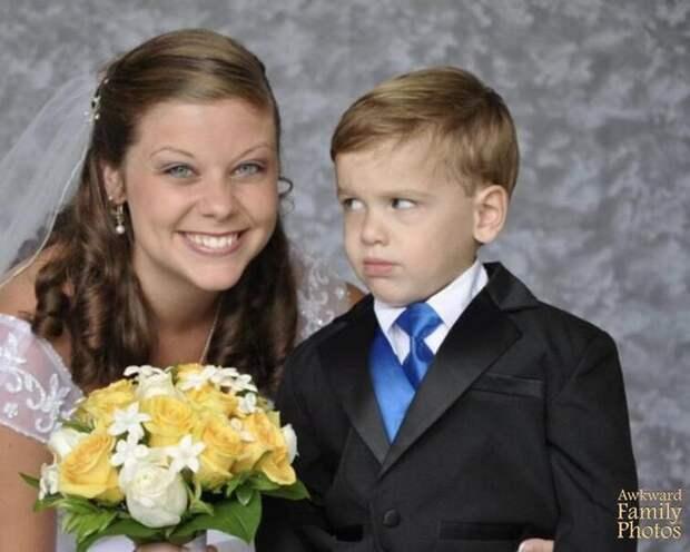 20 неловких семейных фотографий, которые люди прячут на последних страницах фотоальбома