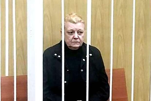 Наталью Дрожжину обвинили в краже кладбищенского памятника
