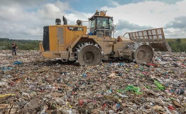В Белогорске идет рекультивация полигона твердых коммунальных отходов