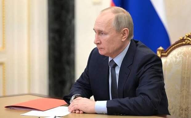 Путин заявил о снижении заболеваемости коронавирусом в связи с дополнительными выходными в мае