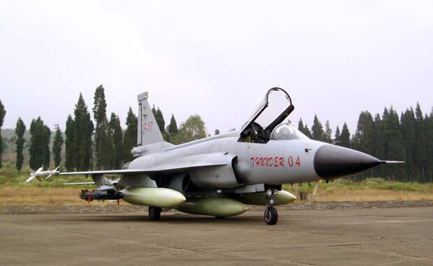 Битва за небо Азербайджана: Су-35 пошел в бой на МиГ-35