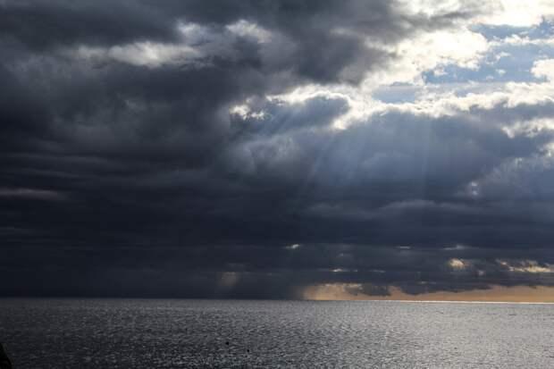 Лондон опроверг нарушение границ РФ в Черном море британским эсминцем
