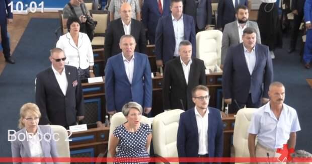 В заксобрании Севастополя поделили комитеты