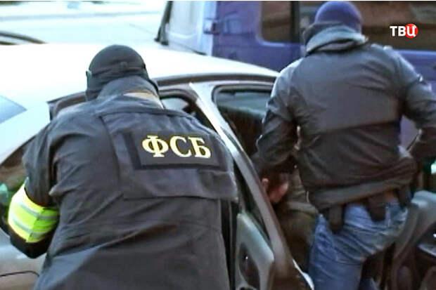 Съевший взятку для сотрудника ФСБ россиянин сел на два года