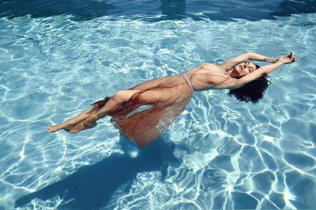 54-летняя Моника Беллуччи снялась в откровенной фотосессии. Всё ещё в форме!