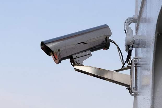 В Краснодаре неизвестный стрелял по камерам видеонаблюдения