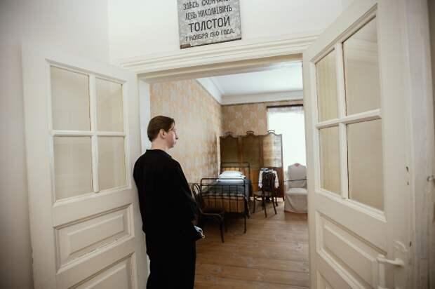 В Театре Наций поставят пьесу Льва Толстого