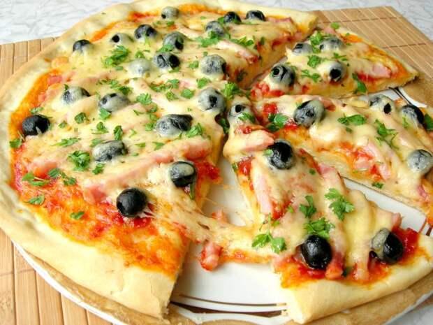 Домашняя пицца, вкуснее, чем в любимой пиццерии