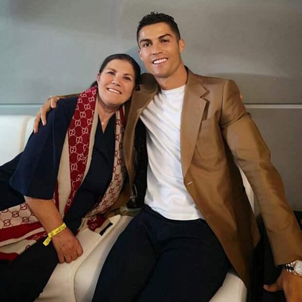 Мать Роналду рассказала, что Криштиану закончит карьеру через три года