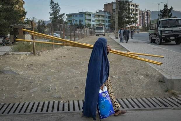 Китай заявил, что США должны взять на себя ответственность за восстановление Афганистана