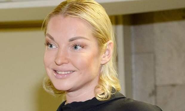 Волочкову заметили в суде