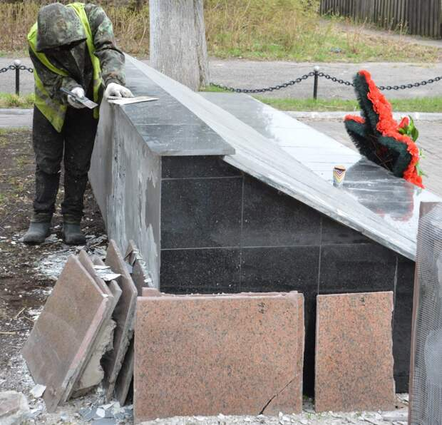 В Твери приводят в порядок мемориалы и воинские захоронения
