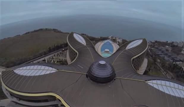 Контролируемый Сбербанком отель обвинили в захвате земли в Крыму