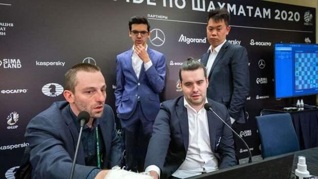 Турнир претендентов по шахматам: Непомнящий сыграл вничью с Грищуком