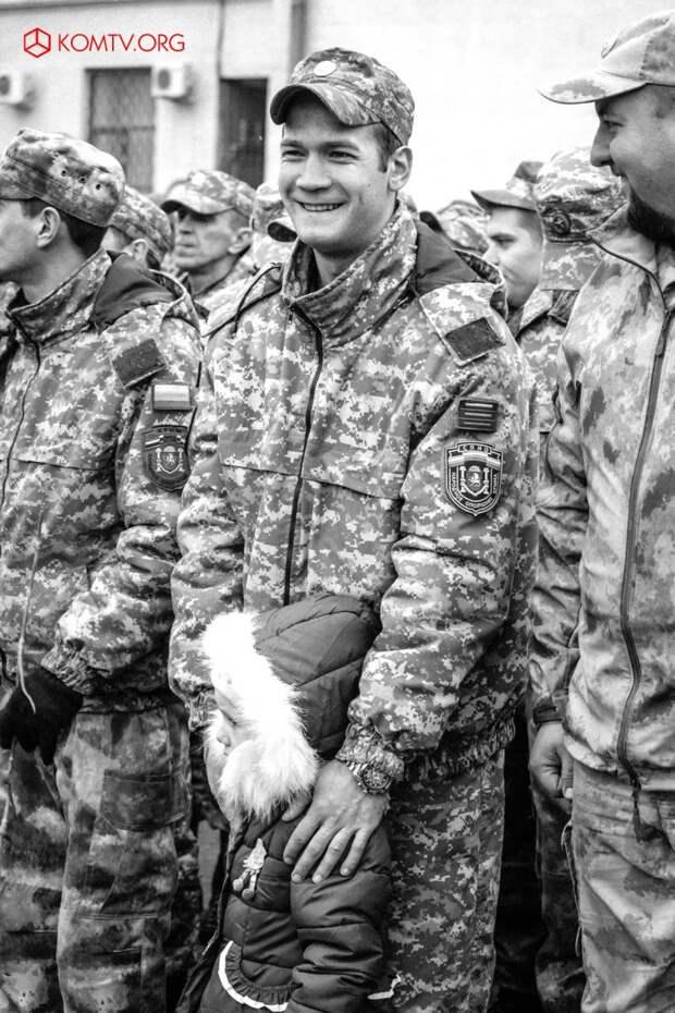 В Симферополе отметили годовщину создания Народного ополчения Крыма 10