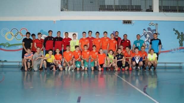 Футбольный клуб ´Белшина´ провел урок в СОШ №34.