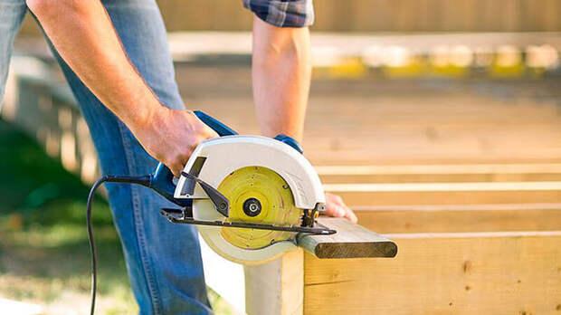 Какие инструменты нужны при строительстве каркасного дома?