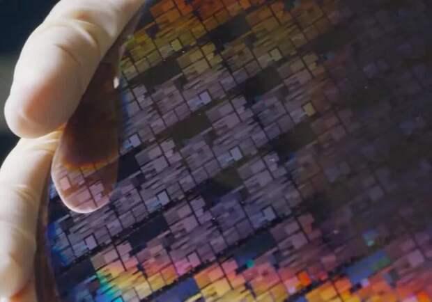 Это прорыв: IBM представила первый чип с 2nm техпроцессом